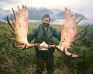 Ray Hovis and an exceptional set of antlers